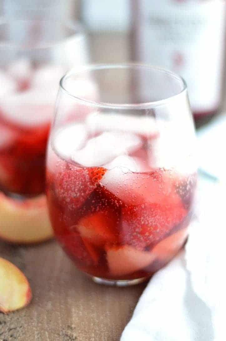 Strawberry Peach Spritzers from What The Fork Food Blog | @WhatTheForkBlog | whattheforkfoodblog.com