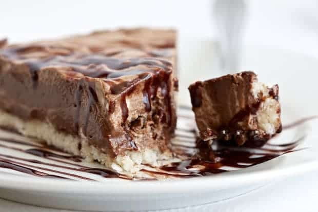 Creamy Chocolate Coconut Pie +45 Paleo Desserts on What The Fork Food Blog