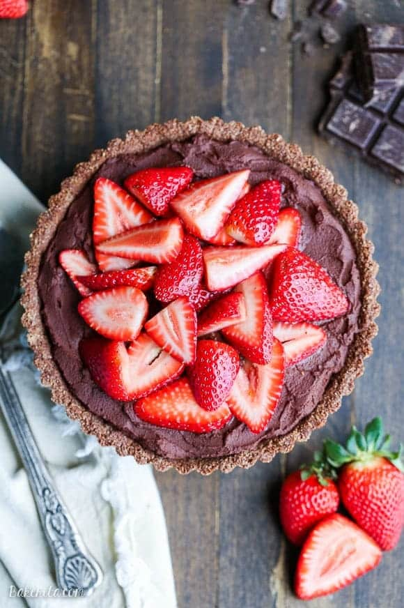 Strawberry Chocolate Ganache Tart +45 Paleo Desserts on What The Fork Food Blog | whattheforkfoodblog.com