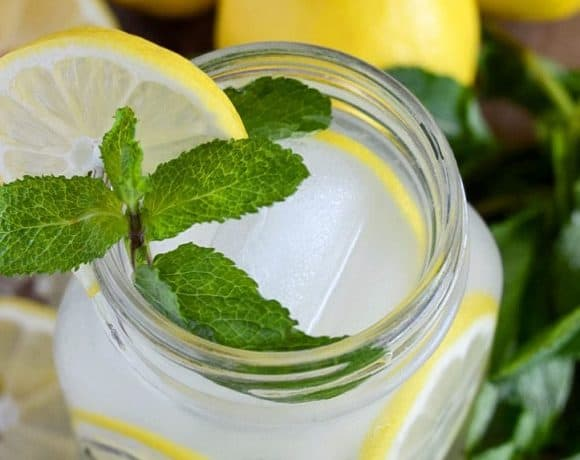 Easy Vodka Lemonade