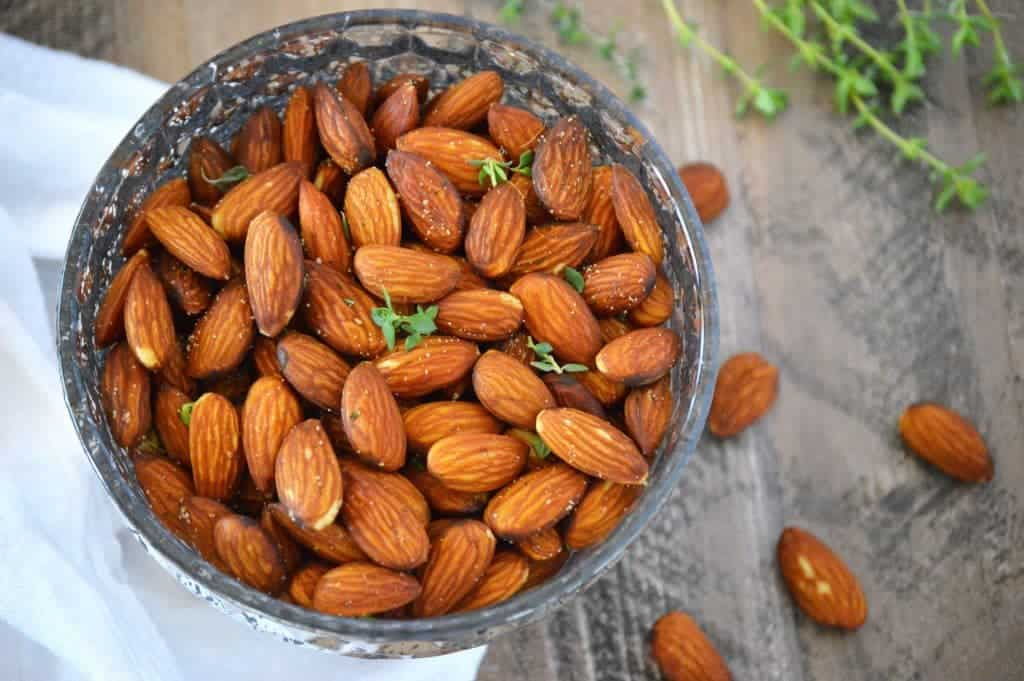 Fried Almonds with Thyme from What the Fork Food Blog. An easy and delicious healthy snack. (Paleo, Whole30, gluten free, vegetarian, vegan.)