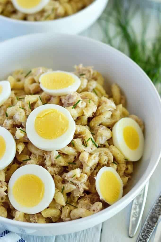 Gluten Free Tuna Noodle Salad makes an easy, make-ahead dinner. From @whattheforkblog | whattheforkfoodblog.com