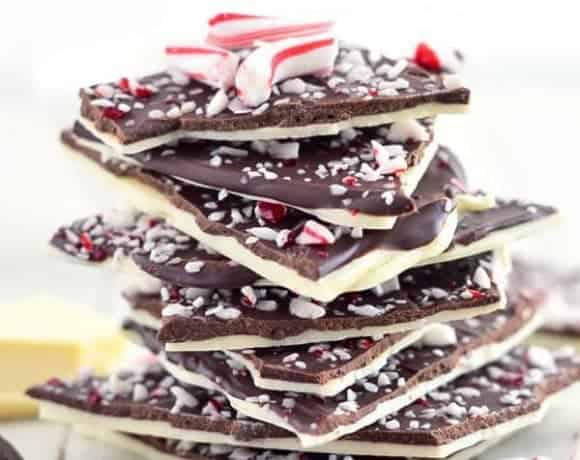 Easy Homemade Candy Cane Bark