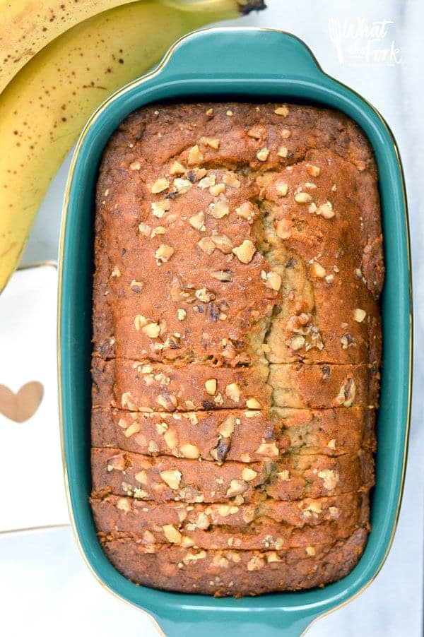Easy gluten free banana bread, a staple breakfast recipe you'll make again and again. Recipe from @whattheforkblog   whattheforkfoodblog.com   gluten free bread   gluten free breakfast recipes   easy gluten free recipes