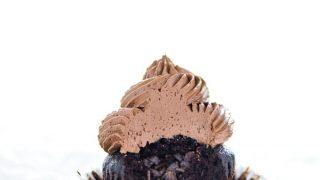 How to Make Chocolate Piñata Cupcakes (Two Ways)
