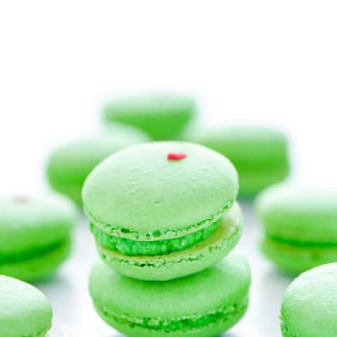 Grinch heart macarons 7 web 480x480
