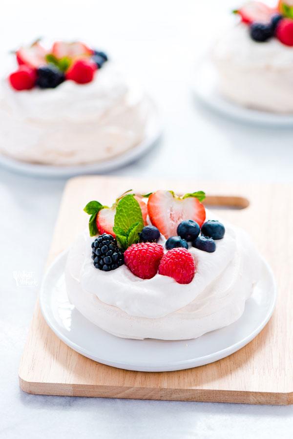 Mini Pavlova Recipe ready to be served